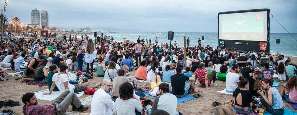 Cine Libre en la playa de la Barceloneta